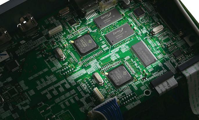 ONKYO TX-NR636 два DSP процессора